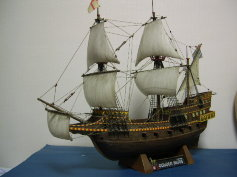 Golden Hind 1/70